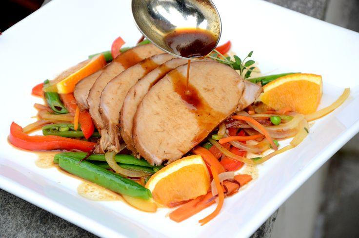 Langtidssteikt-honningglasert svinefilet med grønsakswok og ris_1000
