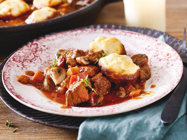 Irisches Rindergulasch mit Parmesan-Dumplings Rezept   LECKER
