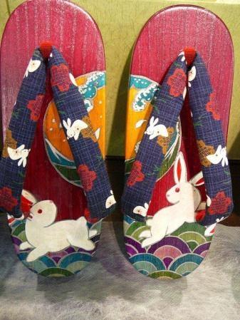 Geta with an usagi and tsuki theme