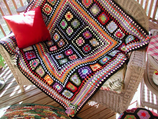 Another granny square design to use up some of that stash of yarn.  Love the…