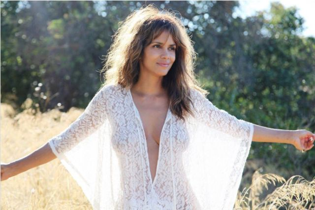 What Halle Berry Does to Make 50 Look Like 30  - Redbook.com