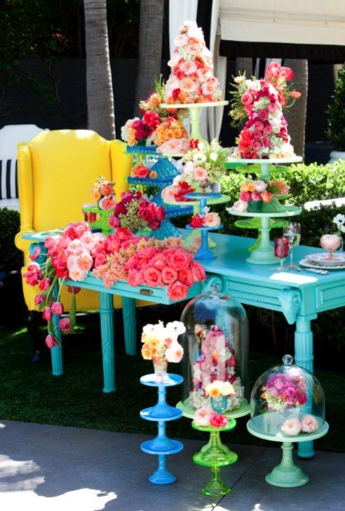 Bright Wedding Colors | Calligraphy by Jennifer - Great idea to paint your wedding decor in bold colours. Norahx