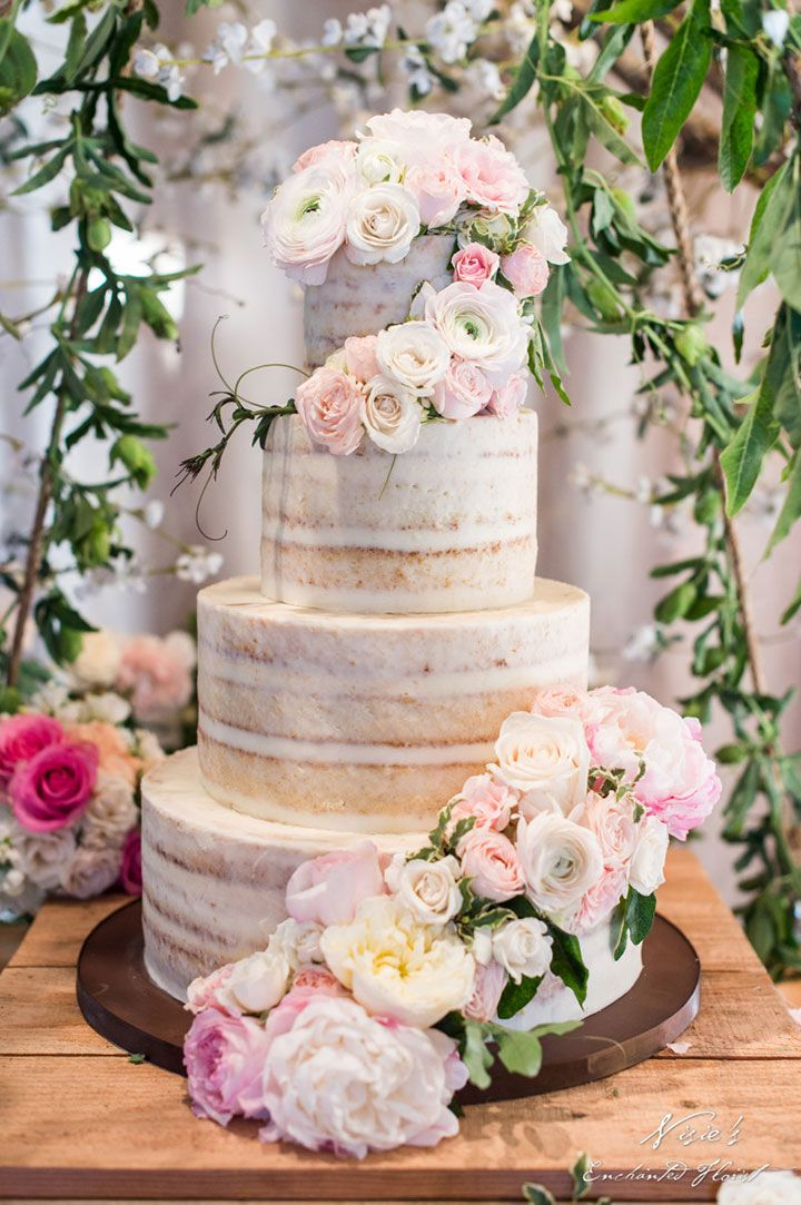pictures of unusual wedding cakes 25 best ideas about wedding cake display on 18451