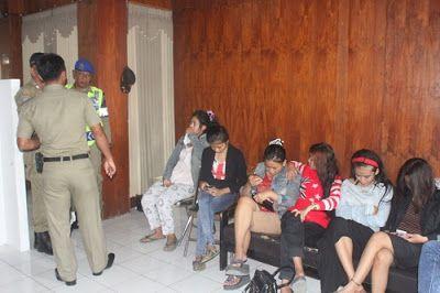 Razia Tempat Kos, 16 Pasangan Remaja Diamankan Petugas
