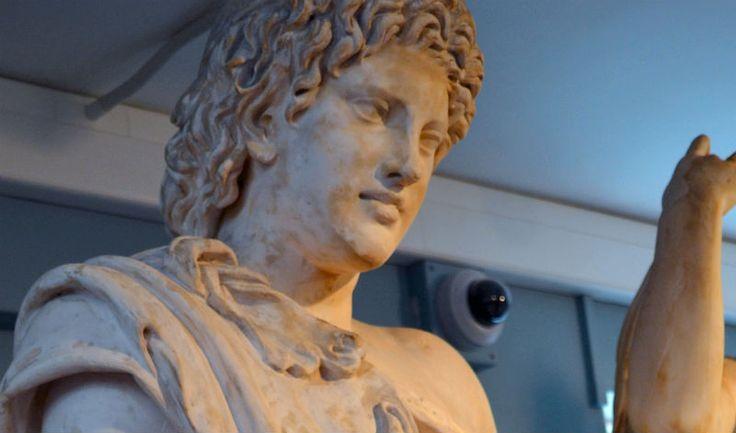 griekse goden beelden - Google zoeken