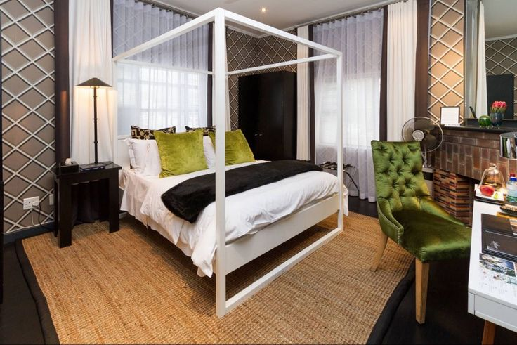 Life & Leisure Luxury Guesthouse rooms, In Stellenbosch, are a glamorous meld of contemporary designer chic. Sophisticated use of furnishings, colours and playful patterns create a unique collection of 7 guest rooms. #stellenbosch #capewinelands