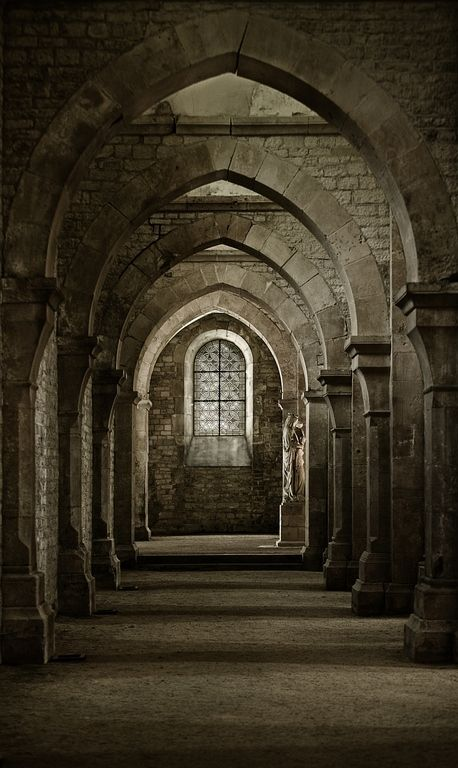 The halls are deserted now the crowds have gone away, there's only ghosts and shadows in the gloaming