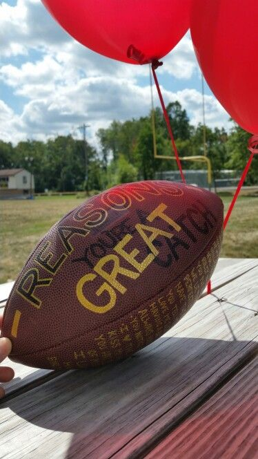 Cute gift idea for your boyfriend! Reasons you're a great catch - throw it to him in the endzone :)