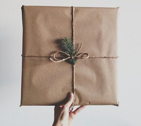 """It's that time of year again when we're encouraged to """"buy buy buy.. consume consume consume"""" in the form of gifts..so lets just make sure that what gift others actually brings joy, health and happiness to our loved ones lives and doesn't compromise their wellbeing or the planets! Find a list of  some great healthy, eco and natural pressie alternatives that are bound to please!"""