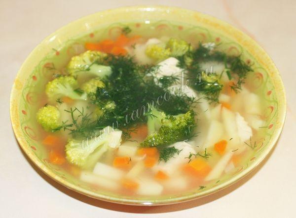 Куриный суп с брокколи и лапшой