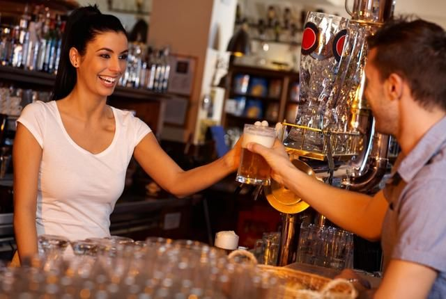 7 Bartending Terms and What They Actually Mean | Female