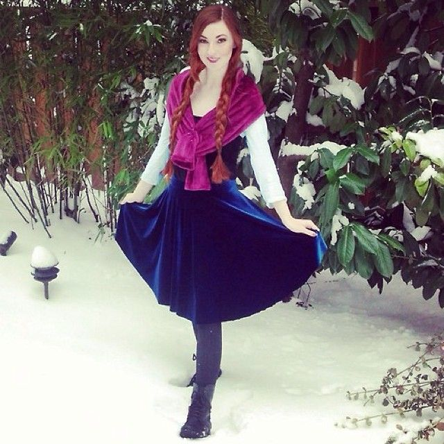 the-porcelain-princess.tumblr.com is ready to build a snowman! ⛄️ #disney #disneybound #frozen #fashion