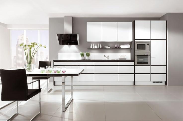 die besten 25 kleiderschrank hochglanz wei ideen auf pinterest kleiderschrank hochglanz. Black Bedroom Furniture Sets. Home Design Ideas