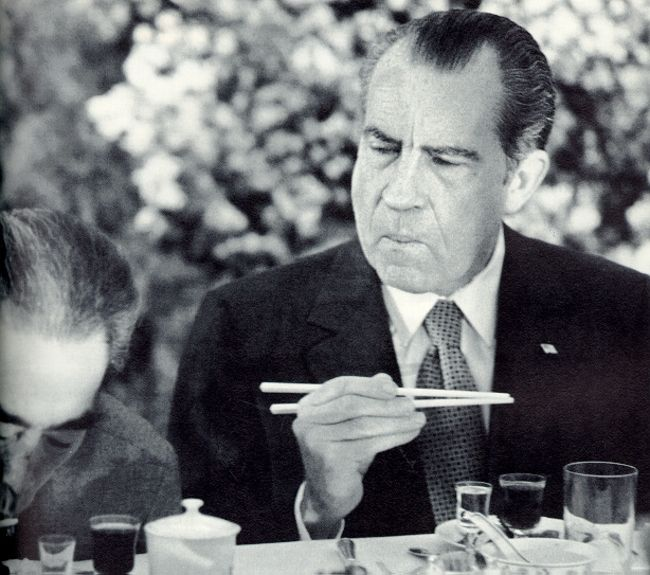best images of us presidents images american nixon learning how to use chopsticks in resident richard nixon trying to figure out how to use chopsticks while ing in