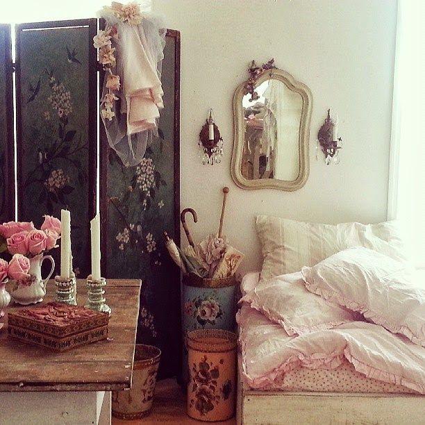 Simply me vintage art nouveau pinterest spaces for Vintage eclectic bedroom