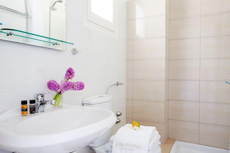 San Antonio Corfu Resort, Bathroom