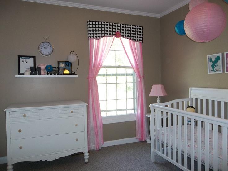 71 Best Images About Nursery Alice In Wonderland On Pinterest