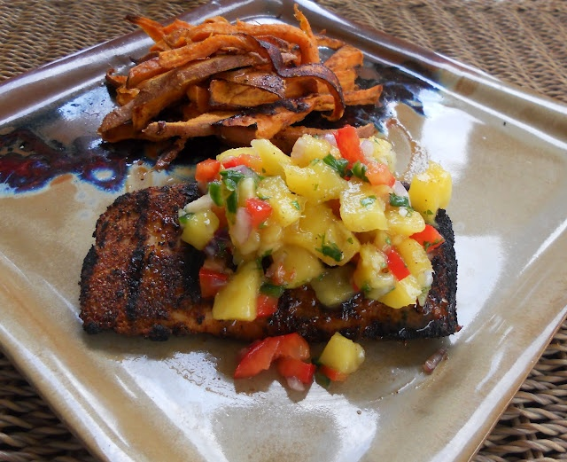 Blackened Mahi Mahi with Mango SalsaSeafood Recipe, Food Buzz, Yummy Food, Mahi Recipe, Eating, Mango Salsa, Food Drinks, Dinner Recipe, Blackened Mahi Mahi
