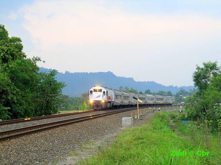 Argowilis Bandung - Surabaya Passing Brambanan