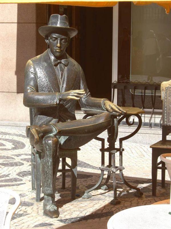 Lagoa Henriques - Estátua de Fernando Pessoa