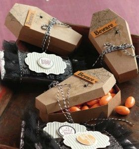 Halloween treat boxes with Cricut Artiste Cartridge