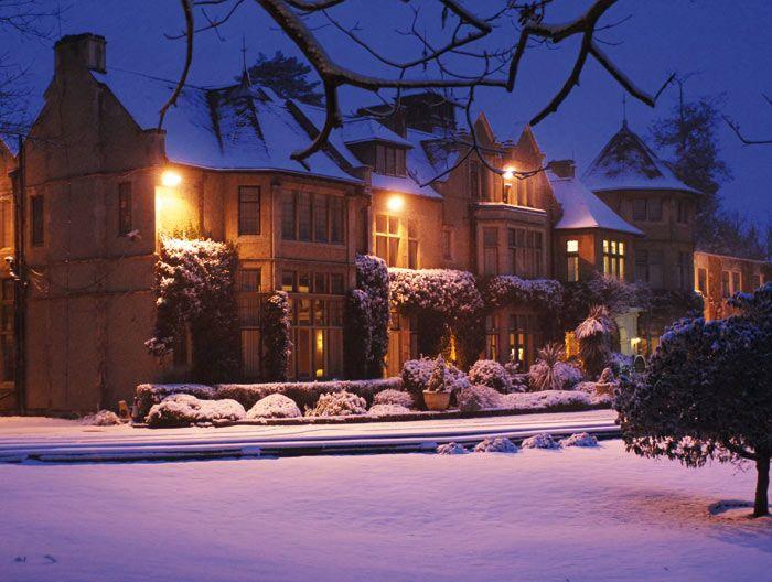3 Snowy winter wedding venues | Surrey Wedding Venues