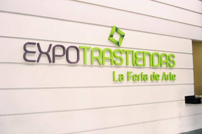 Carteles corpóreos, letras corpóreas y logos en Polyfan (polifan), acrílico y PVC, iluminación con LED.