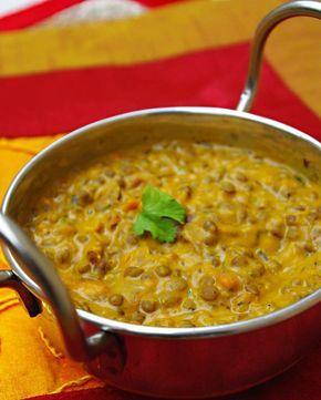 Recette végétarienne indienne daal makhani en vidéo Bonjour et bienvenue dans mon blog cuisine , aujourd'hui nous allons préparer un Dal makhani . C'est une recette originaire du Penjab , à base de lentilles . Pour faire cette recette indienne, il faut...