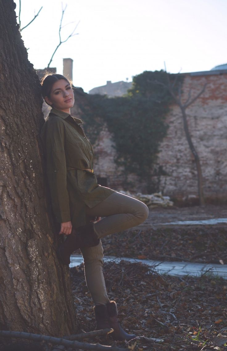 Army green outfit on http://lauramusuroaea.com/friends-with-robin-hood/