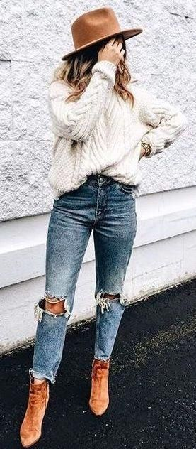 d5baa26a138 25 Fall Outfit Ideas To Copy Right Now - MyFavOutfits  fashion  ootd   womensfashionfall  womensfallfashionoutfitsautumn
