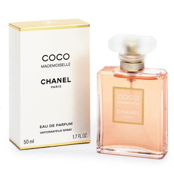 Madamoiselle ~ Coco Chanel  Top notes: orange, bergamot, mandarin, Tunisian curaçao   Middle notes: morning rose, Italian jasmine, ylang-ylang, mimosa, florentine iris   Base notes: Indonesian patchouli, Haitian vetiver, Bourbon vanilla, white musk, opoponax, tonka bean