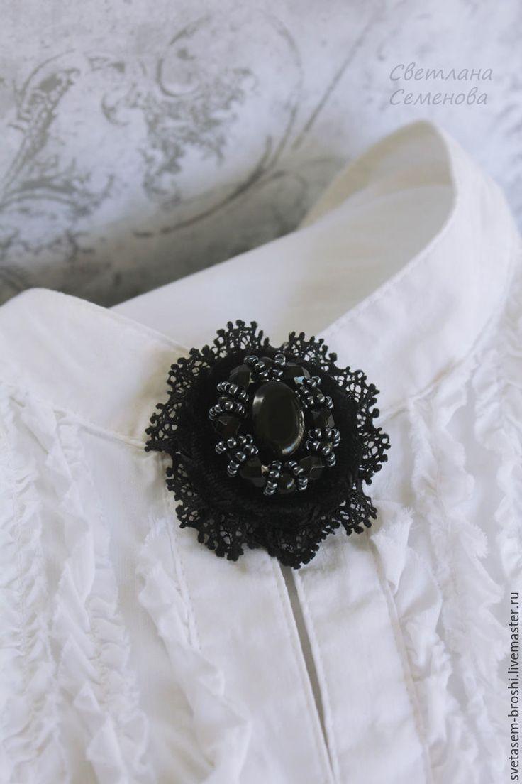Купить Брошь Черный Бархат - светлана семенова, черный, брошь вышитая, брошь под воротник