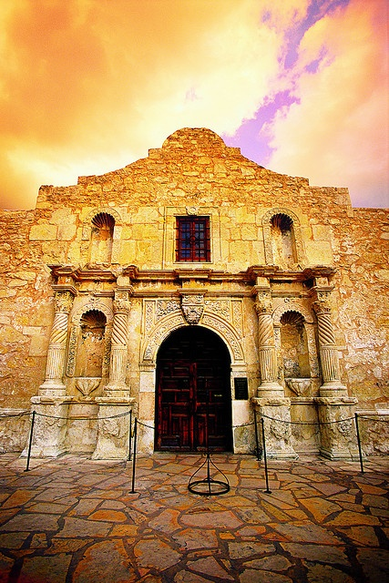 The Alamo...San Antonio, Texas....wasn't as big as I thought..actually..I'm not sure what I was expecting...lol