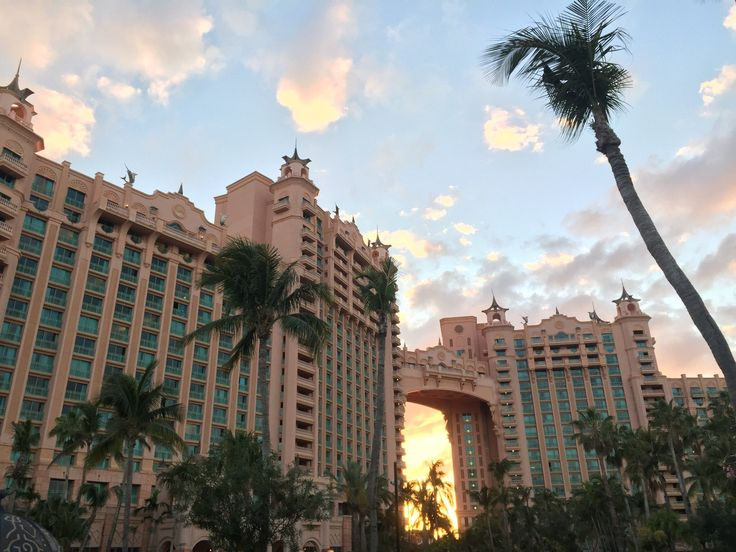 Atlantis, Royal Towers, Autograph Collection - UPDATED 2017 Hotel Reviews & Price Comparison (Bahamas/Paradise Island) - TripAdvisor