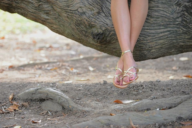 Gold strappy sandals | www.peachyshop.com