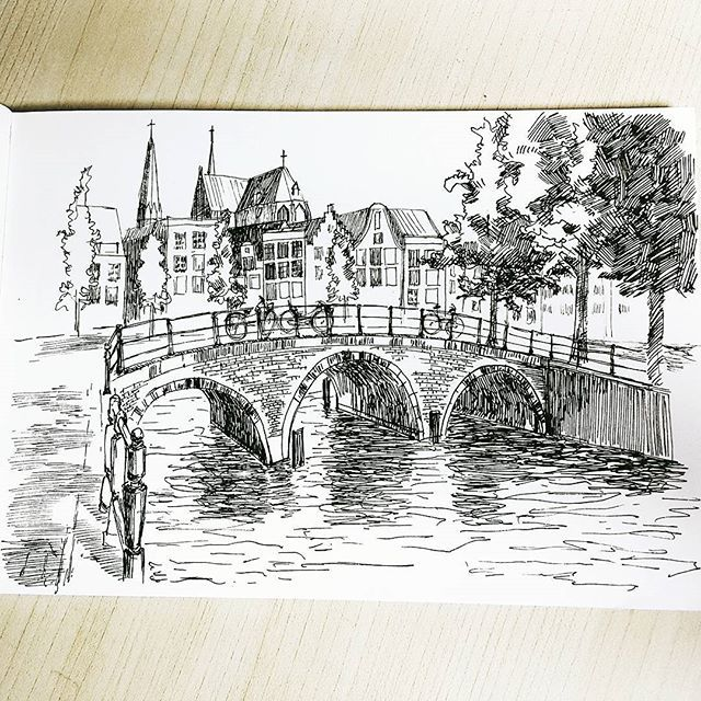 힘빼고 그리기 성공. 그것보다도 오랜만에 화실가서 넘 씐나써!😆 오랜만이라해봤자 일주일만. . . . . . #펜화 #펜드로잉 #pendrawing #drawing #sketch #bridge #landscape #취미미술 #art #artwork #artstagram #그림스타그램 #강남역 #신논현 #artstudio #ground37c #일상 #daily
