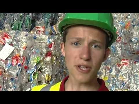 Nina élève de CM2 mène l'enquête sur le recyclage des déchets. Elle s'interroge sur ce qui se recycle et ce qui ne se recycle pas, visite un centre de tri. U...