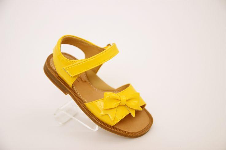 Raaf en Vos, hippe kinderschoenen enzo - Zecchino d oro sandalen geel - Hippe kinderschoenen en zo!