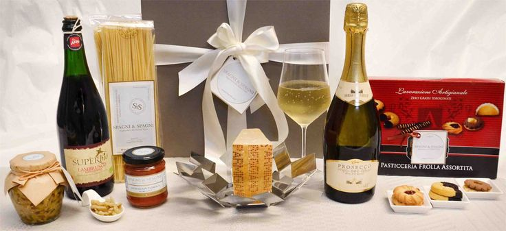 Extraordinary #italianfood Flavors Gift Basket https://goo.gl/rCHbd4 #pasta #cheese #sauce #appetizer #wine #sweet #cookies find out more on SpagniTheGift.com