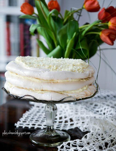pavlova z białą czekoladą (pavlova with white chocolate)
