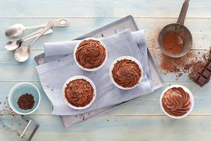 Niets is zo lekker als eigengemaakte chocolademousse. You'll know it when you try it! Recept -Chocolademousse - Allerhande