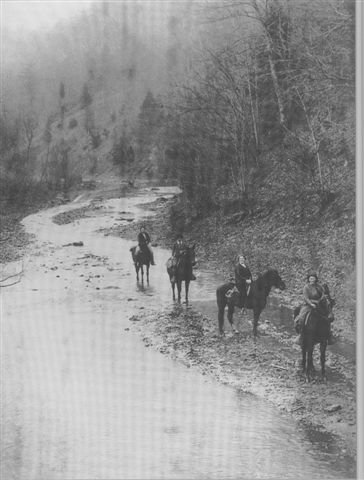 Pack Horse Librarians in the hills of Eastern Kentucky.  (Photo courtsey of the Franklin D. Roosevelt Library, Hyde Park, New York)