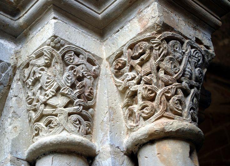 Fotos de: Tarragona - Monasterio de Santa Maria de Poblet - Capiteles -III-