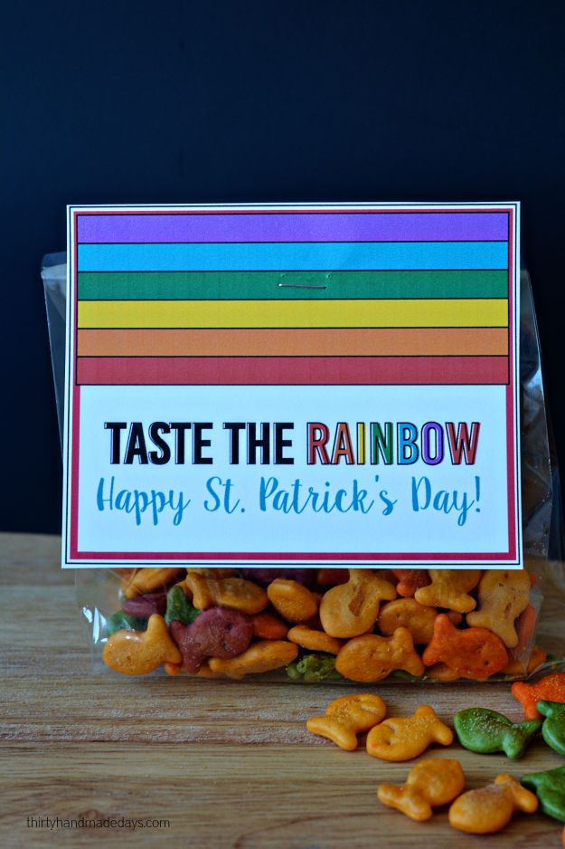 Printable Rainbow Tags for St. Patrick's Day, Spring & Easter. Kids will love giving these to their friends!
