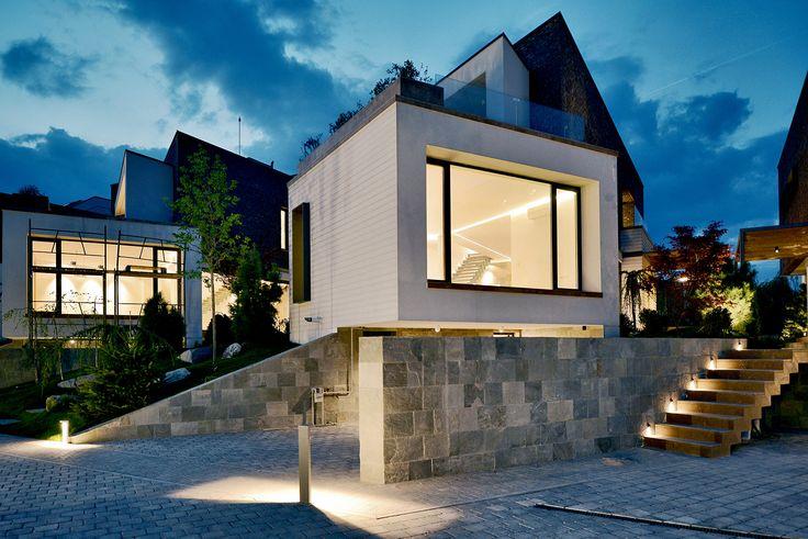 Ansamblu rezidential Pipera - iluminat exterior https://www.lucedomotica.ro/proiect/iluminat-interior-si-exterior-ansamblu-rezidential-pipera/