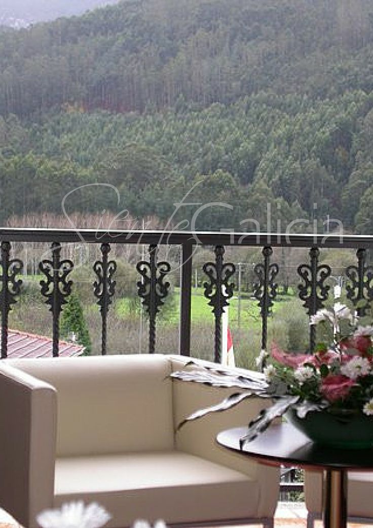 Hotel Val do Naseiro, Viveiro. Desde 55€ pers/noche con: alojamiento en habitación doble con cama 2x2, desayuno buffet, cava y cesta de frutas en la habitación y cena romántica. #Galicia #SienteGalicia