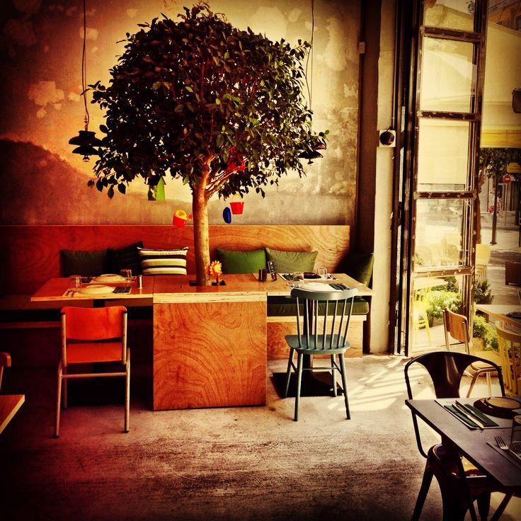 Sin, burger restaurant, Greece. To απίστευτο burger bar που μεταμόρφωσε το Παλαιό Φάληρο σε Νέα Υόρκη! [εικόνες] | iefimerida.gr