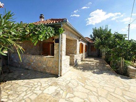 Ferienwohnung Ceko für 6 Personen  Details zur #Unterkunft unter https://www.fewoanzeigen24.com/kroatien/zadarska/23206-zadarsukosan/ferienwohnung-mieten/25564:-2078354898:0:mr2.html  #Holiday #Fewoportal #Urlaub #Reisen #Zadar/Sukosan #Ferienwohnung #Kroatien