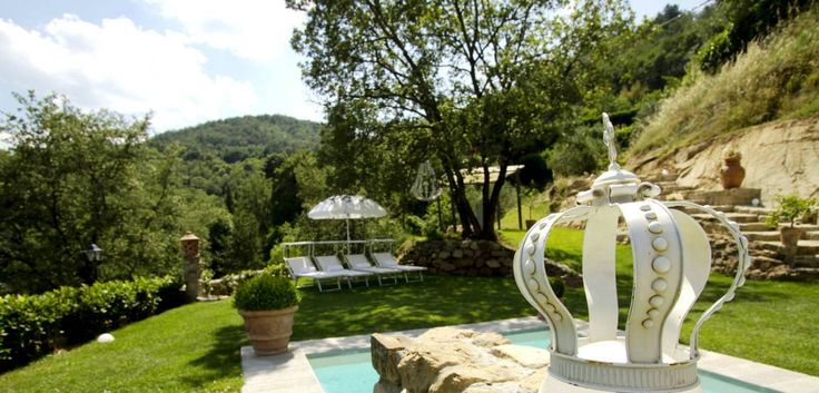 Villa Paolina is surrounded by 10 ha of natural park, Olive groves and landscaped gardens, with flowering shrubs, and lemon trees. Attached at the front of the house there is a 150 sqm large roofed terrace, positioned to soak up the incredible view and perfect for entertaining or relaxing.