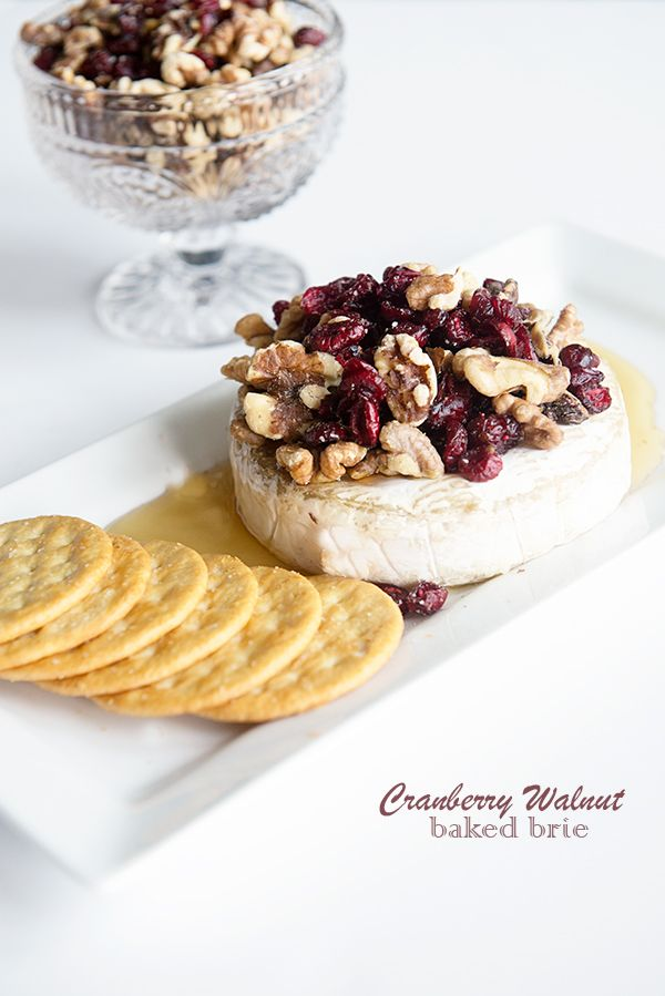 Crostini With Brie Dates And Toasted Walnuts Recipe — Dishmaps